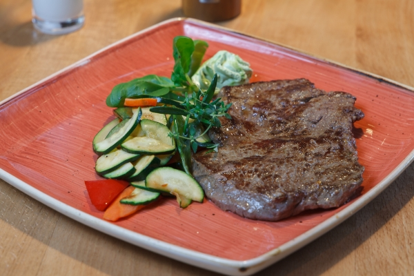 steak-filet-in-schwabing-schwabinger-wassermann-433E8D9D0-9D75-0B03-063E-FEC993B00050.jpg
